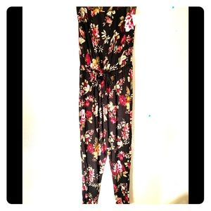 Floral romper bnwt